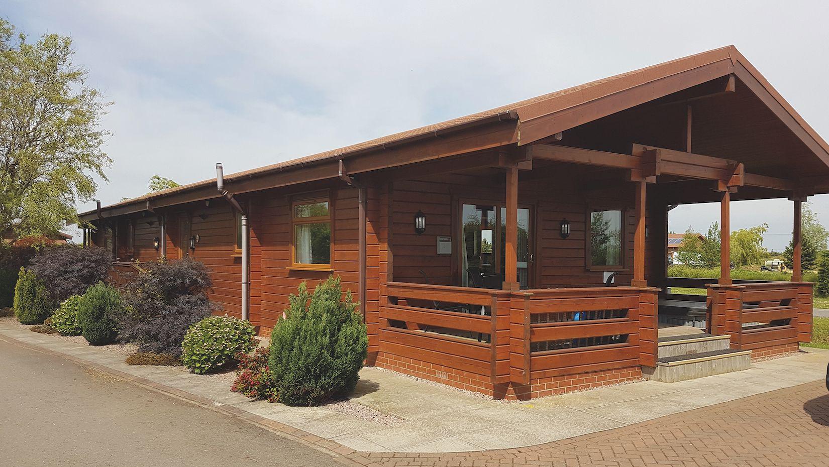 Premier Log Homes single storey log cabin