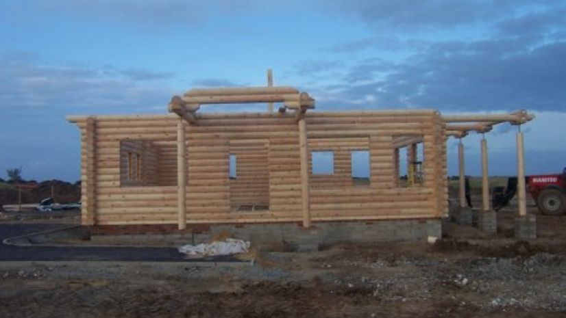 round log build day 4