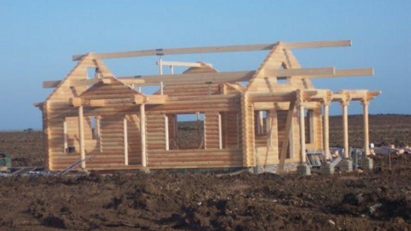 round log build day 5